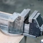 Make A Metal bench Vise Without Welding!